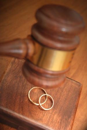Расторжение брака в органах ЗАГСа, развод через суд